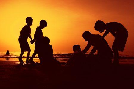 Sunshine is needed for social behaviour!